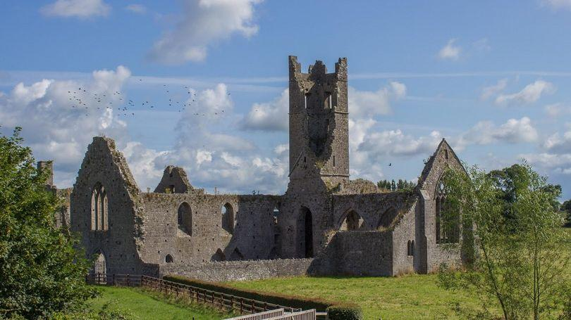 This image has an empty alt attribute; its file name is Medieval-Kilmallock-2-810-x-456.jpg